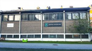Gymsalen på Vahl skole, sett fra Rudolf Nilsens Plass.